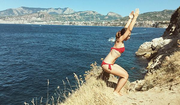 pozicia_stolicka_asana_joga_flexity